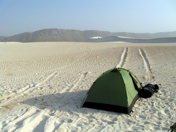 Socotra Picture of the Day: Wild camping between sand dunes