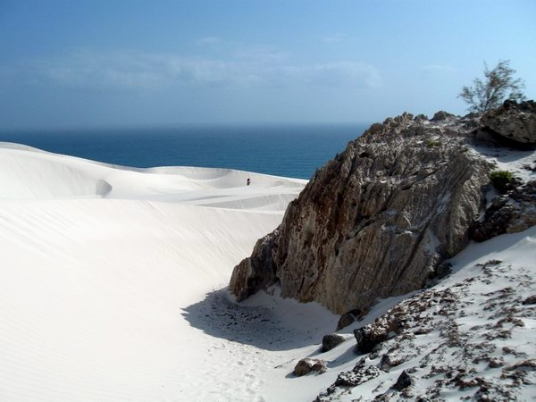 Socotra Picture of the Day: Sand dunes in the east of Socotra
