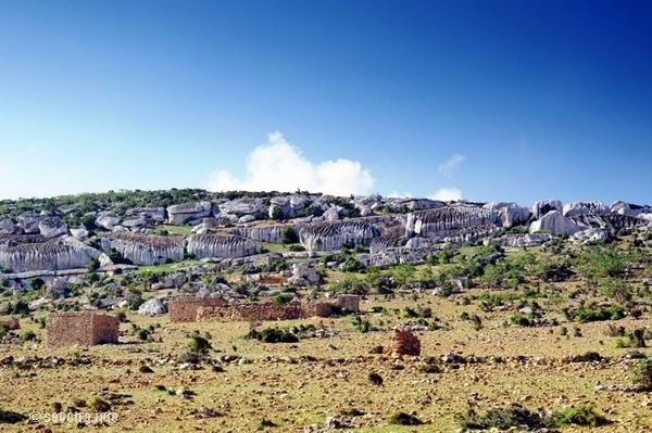 Socotra Picture of the Day: Local village on the plateau Mumi