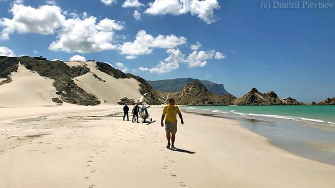 Горы, песок, море, побережье, белый, синий, зелёный